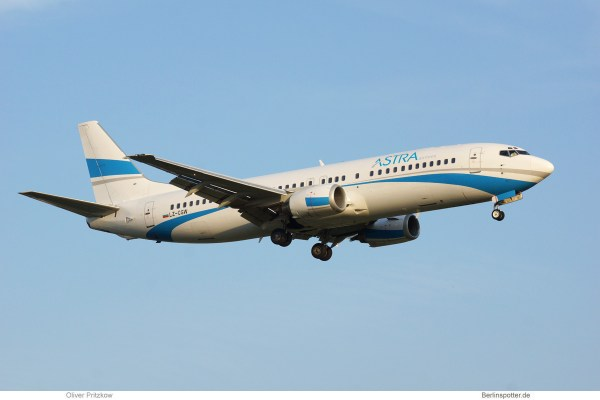 Astra Airlines, Boeing 737-400 LZ-CGW (TXL 6.7. 2017)