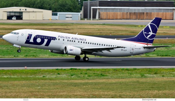 LOT Polish Airlines, Boeing 737-400 SP-LLF (TXL 22.8. 2017)