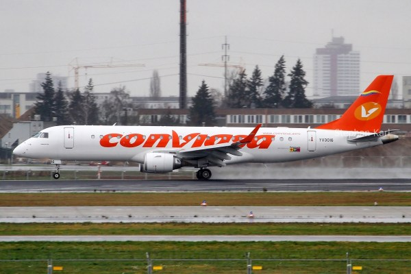 Conviasa Embraer Lineage 1000 (ERJ190) YV3016 (SXF 25.11. 2017)