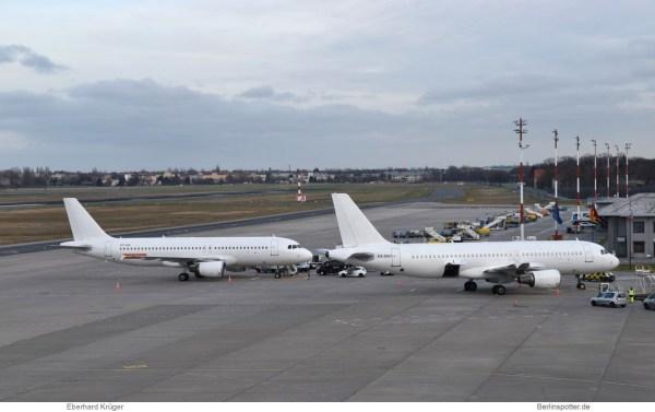easyJet Airbus A320-200 ES-SAQ und ES-SAO (TXL 6.1. 2018)