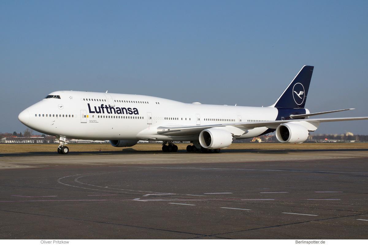 Lufthansa Boeing 747-8i D-ABYA
