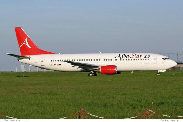 Alba Star, Boeing 737-400 EC-LAV (SXF 21.4. 2011)