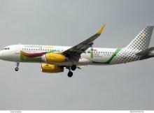 Vueling, Airbus A320-200(SL) EC-MOG, Liebana Cantabria-Bemalung (TXL 4.6. 2018)