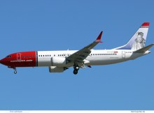 Norwegian Air International, Boeing 737 MAX 8 EI-FYH, Tycho Brahe im Tail (SXF 3.7. 2018)