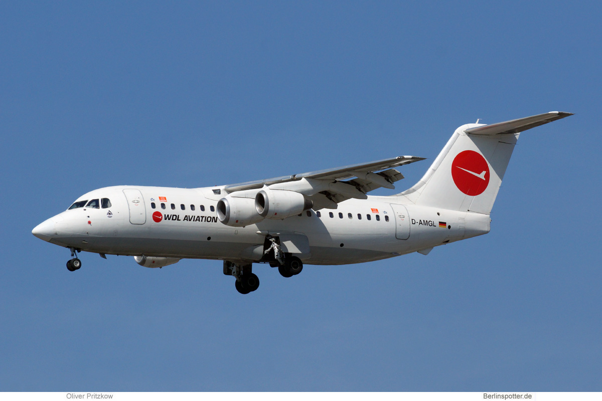 WDL Aviation BAe 146-200 D-AMGL