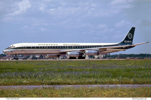 ONA Overseas National Airways, McDonnell-Douglas DC-8-63CF N865F (TXL 9.7. 1971)