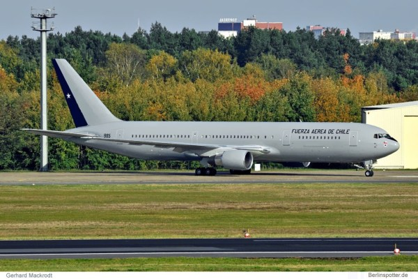 Chile Air Force, Boeing 767-300ER '985' (TXL 23.10.2010)