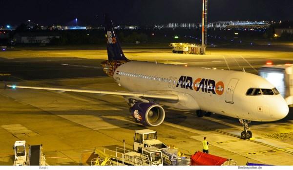 Air Cairo, Airbus A320-200 SU-BTM (SXF 13.10. 2018)
