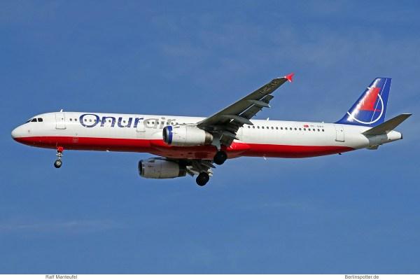 Onur Air, Airbus A321-200 TC-OEC (SXF 6.10.2018)