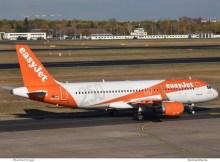 easyJet Europe Airbus A320-200(SL) OE-IJB, 250-Sticker (TXL 2.11.2018)