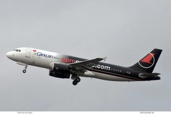 Onur Air, Airbus A320-200 TC-ODC, GGM Gastro cs. (TXL 31.12.2018)