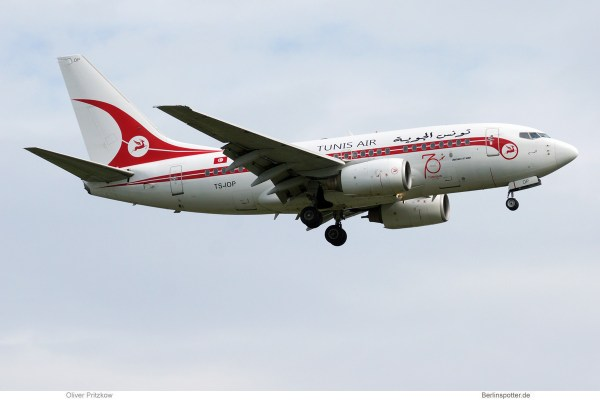 Tunisair, Boeing 737-600 TS-IOP, 70 Jahre-Bemalung (SXF 26.5.2019)