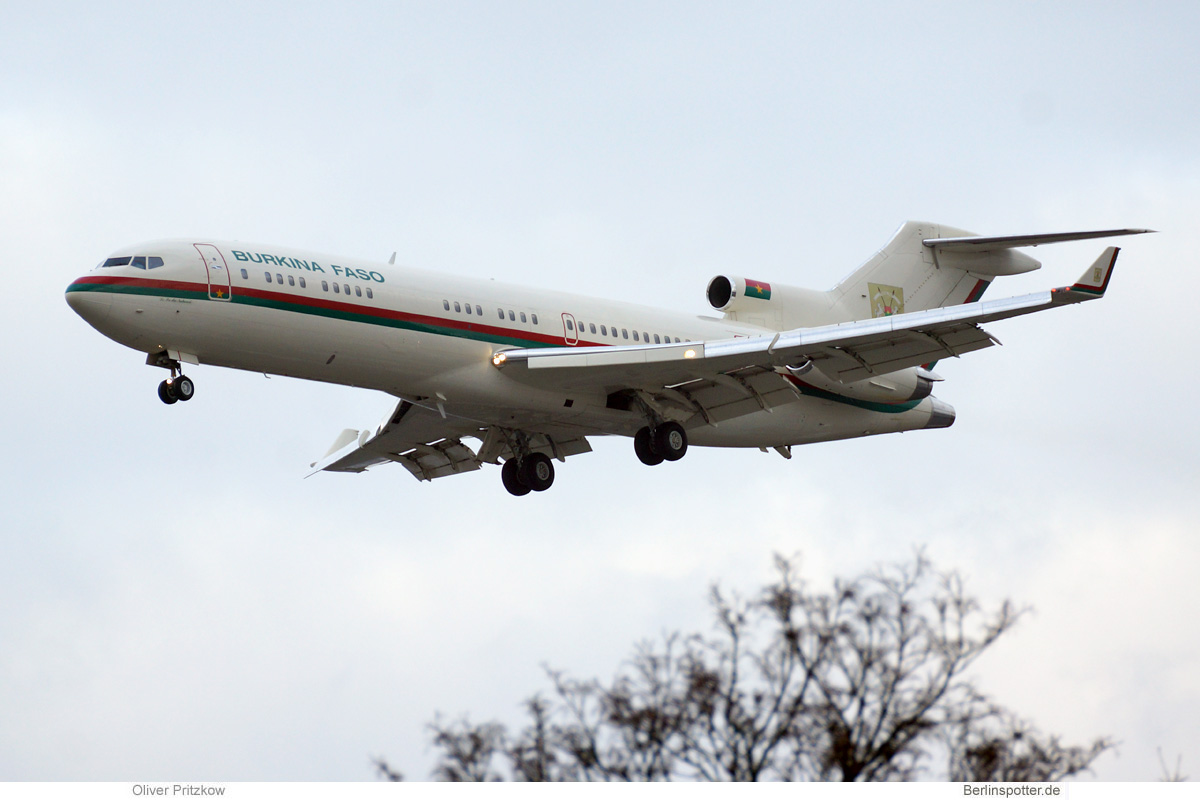 Burkina Faso Boeing 727-200(RE)(WL) XT-BFA