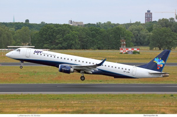 LOT Polish Airlines, Embraer 195AR SP-LNN, ex Azul cs. (TXL 16.7.2019)
