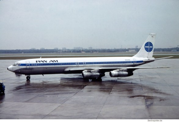 Pan Am, Boeing 707-321B N884PA (TXL 01/1981)