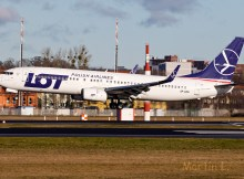 LOT Polish Airlines, Boeing 737-800(WL) SP-LWB (TXL 5.2.2020)