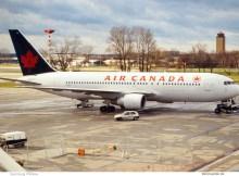 Air Canada, Boeing 767-200ER C-GDSU (SXF 1995)