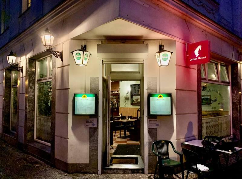 Wienerschnitzel Cafe Louis Neukölln