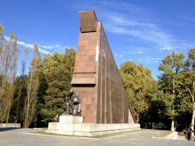 Det Sovjetiske Mindesmærke i Treptower Park