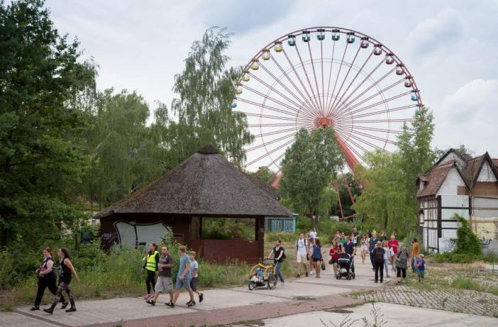 Den forladte forlystelsespark Spreepark - Abandoned place Berlin - Pressefoto, Führungen im Spreepark (c) manuel-frauendorf-fotografie.jpg