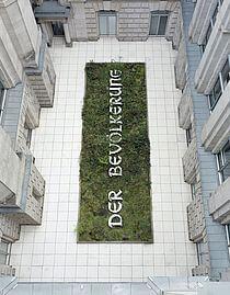 Neuer Berliner Kunstverein (n.b.k.), Hans Haacke, Der Bevölkerung, 2000. © Hans Haacke / VG Bild-Kunst, Photo: Stefan Müller, 2008