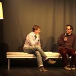Moderator Robert Schoen im Gespräch mit Hörspielmacher Oliver Kontny. Foto: Tim Zülch