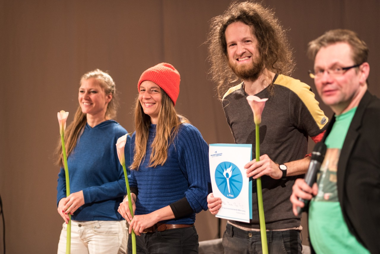 Susanne Franzmyer, Carina Pesch, Bernhard Krisper, Moderator Robert Schoen. Bild: Golo Föllmer.