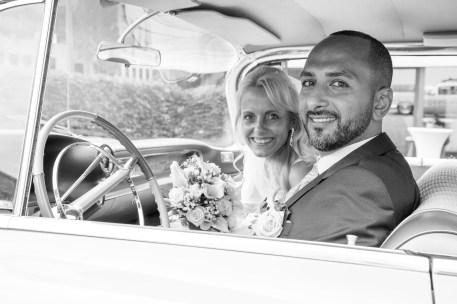 Hochzeitsauto im Tempelhofer Hafen