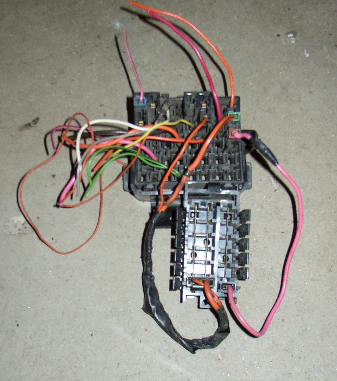 hight resolution of the plugs you want to obtain are the ones that plug into the junction block not the fuse box the pink wire connectors are smaller than the orange wire