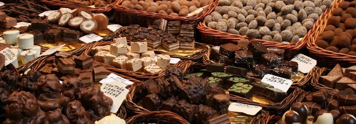 cioccolata, Platus, https://pixabay.com/it/photos/cioccolatini-cioccolato-656087/ CC0