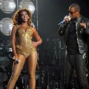 Beyoncé e Jay-z live ©idrewuck CC BY-SA 2.0 da Wikipedia https://en.wikipedia.org/wiki/Beyonc%C3%A9#/media/File:Beyonc%C3%A9_e_Jay-Z.jpg