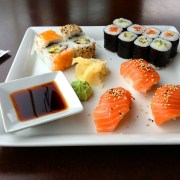 Sushi, ©, https://pixabay.com/get/53e9dc444853b108feda8460825668204022dfe05556704f7d287ed0/sushi-599721_1920.jpg?attachment