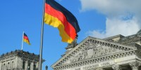 reichstag, ©karlherl, https://pixabay.com/it/photos/reichstag-il-volke-tedesco-germania-324982/
