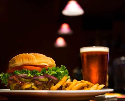 Hamburger, ©Edward Franklin, https://www.youtube.com/watch?v=Nt-0djBafV4&list=RDvZYbEL06lEU&index=6
