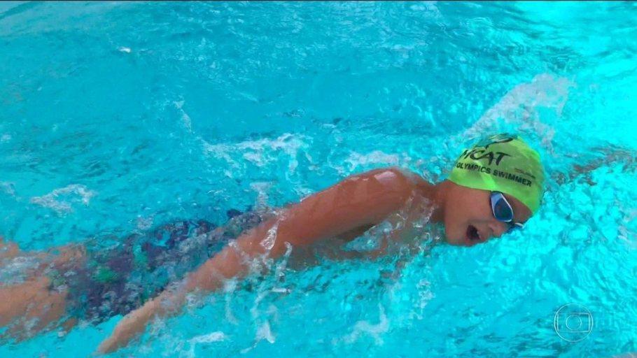 Clark Kent recorde na natação nos 100 metros borboleta