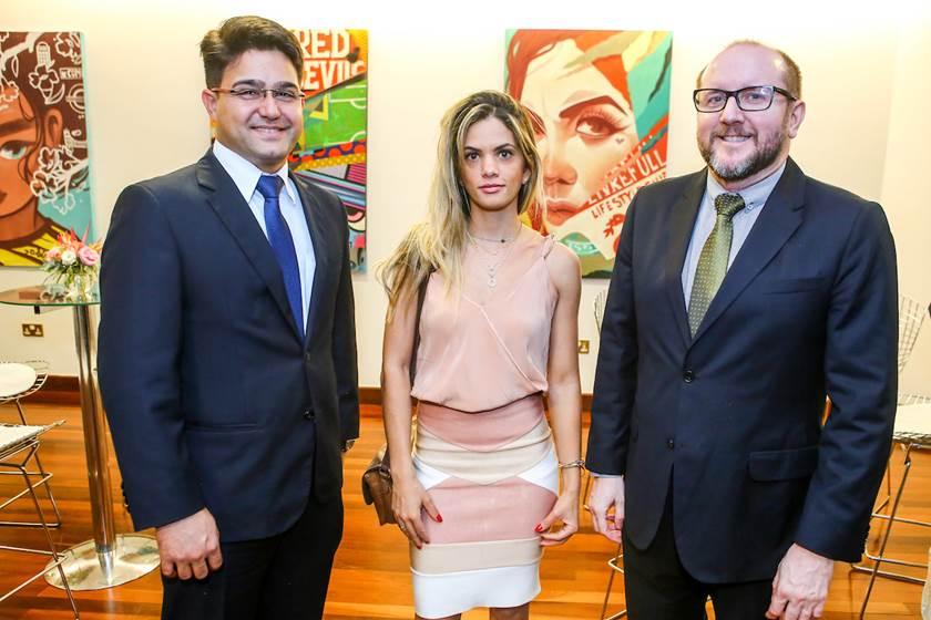 Brasil lança selo em homenagem a Rainha
