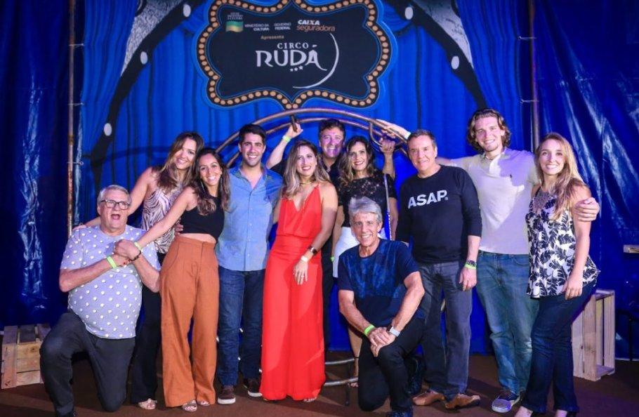 Gabriela Gontijo comemora aniversário no Circo Rudá