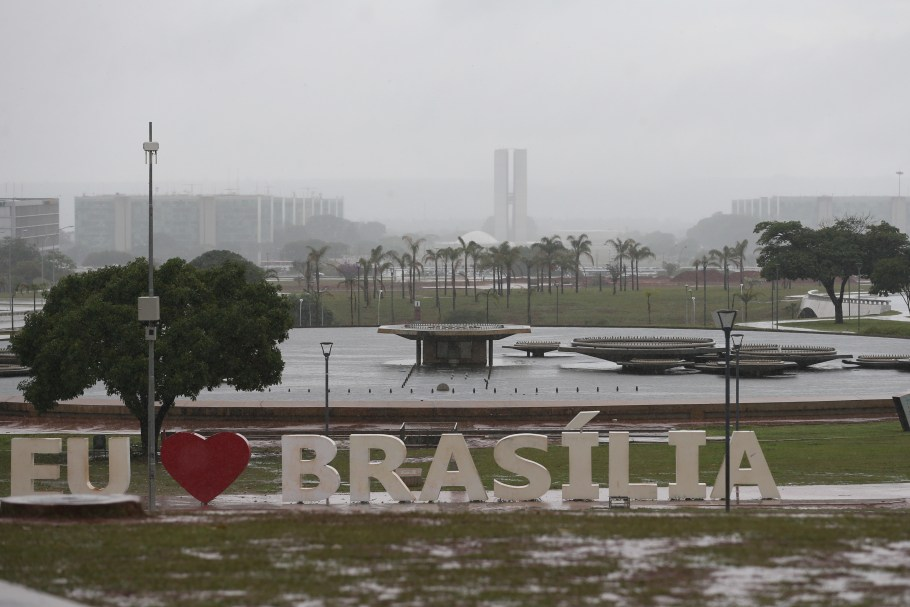 Brasília em dia de chuva