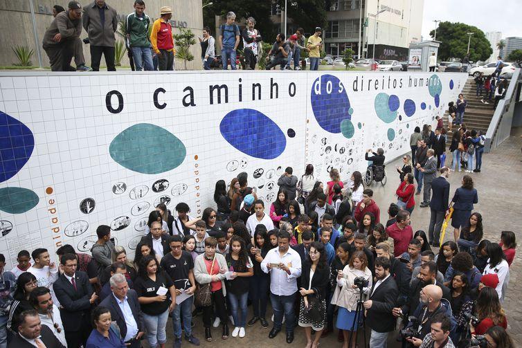 Painel Caminho dos Direitos Humanos