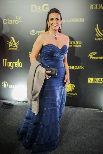 Isaura Lara Resende