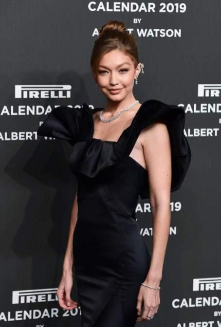 Gigi Hadid na festa do Calendário Pirelli 2019