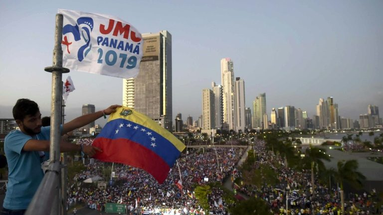 Francisco JMJ Panamá 2019 - bernadetealves.com