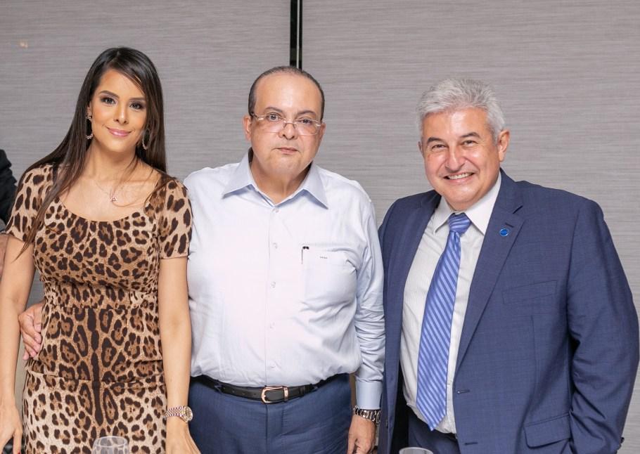 Ministro Marcos Pontes recebe homenagem de Gilvan Máximo -bernadetealves.com