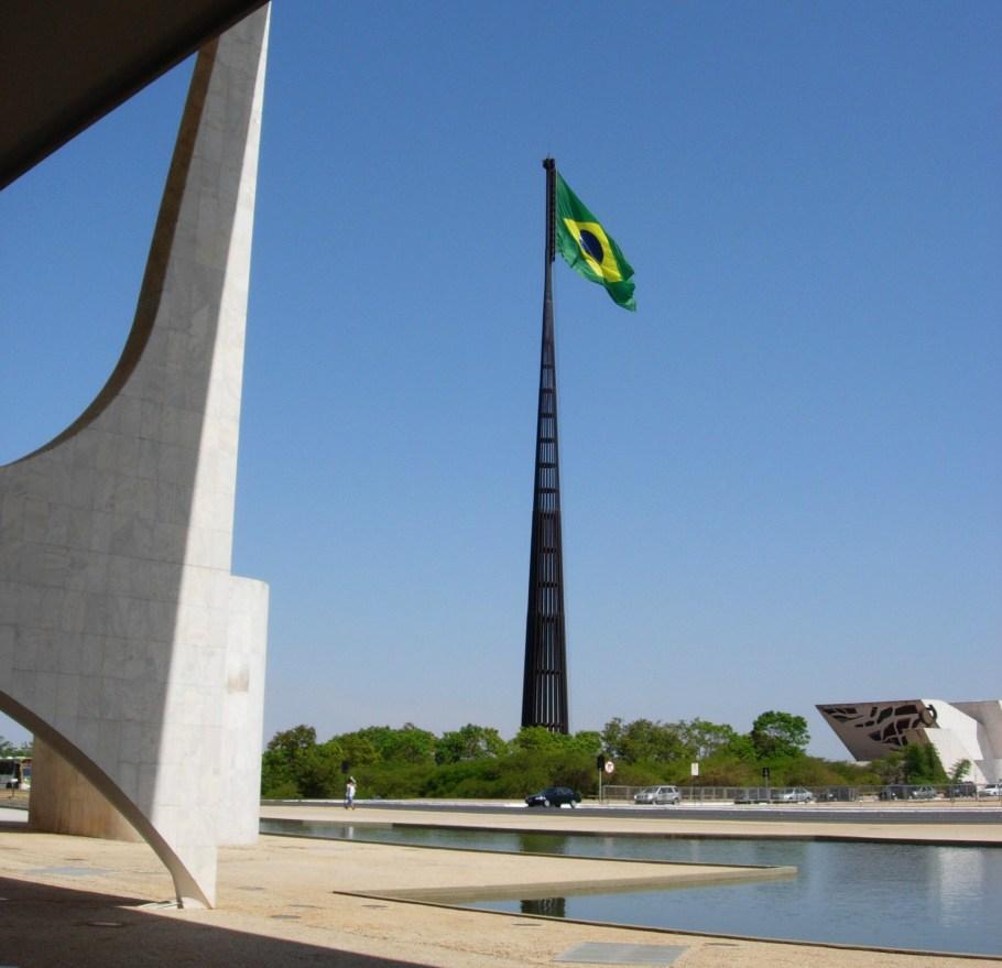 Praça dos Três Poderes - bernadetealoves.com