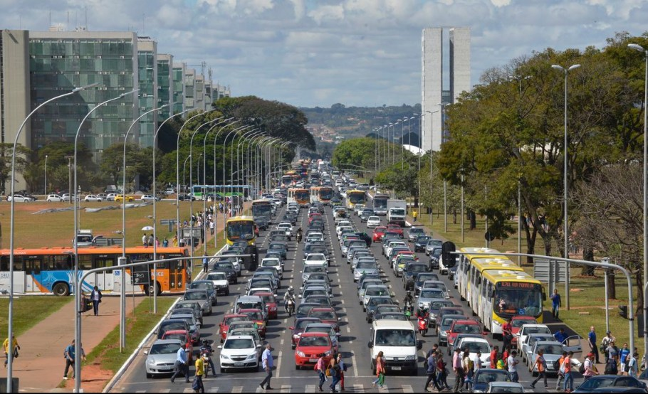 GDF e Governo Federal definem implementação do VLT - bernadetealves.com