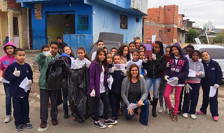 Débora Garofalo Top 10 do Global Teacher Prize - bernadetealves.com