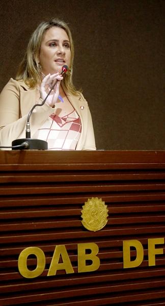 Andrea Saboia, secretaria-geral adjunta da OAB/DF