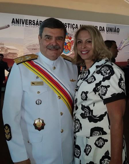 Ministro Alte Esq Marcus Vinicius com a esposa Tânia