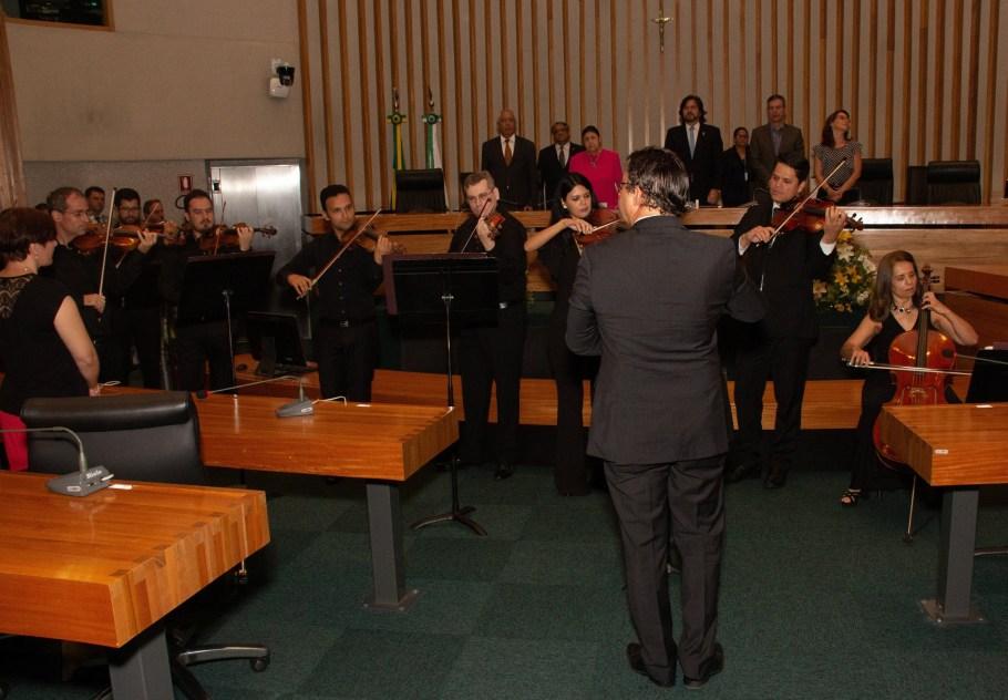 CLDF aplaude Orquestra Sinfônica do Teatro Nacional pelos 40 anos - Bernadete Alves