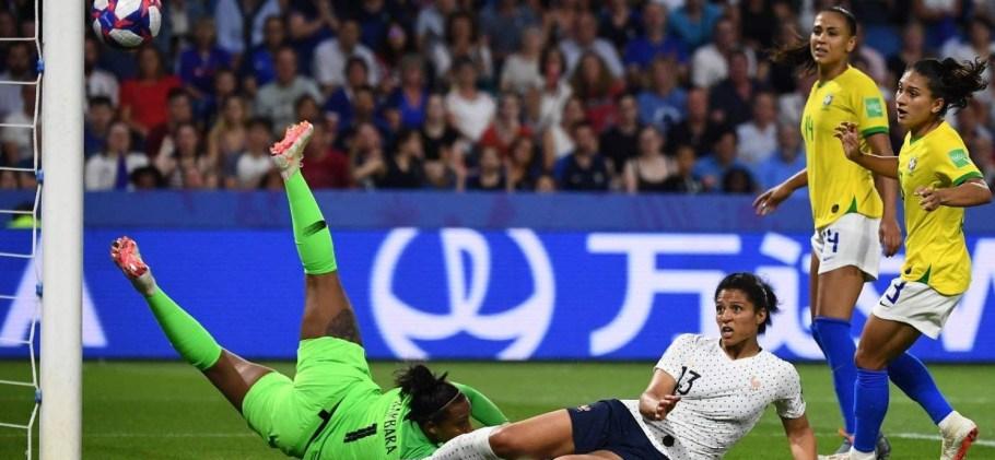Brasil deixa a Copa do Mundo da França de cabeça erguida  - Bernadete Alves